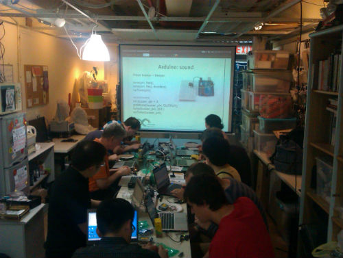 the Arduino introduction workshop at DSL for Arduino Day 2014